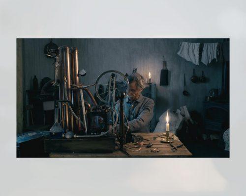 Film-La-BOUGIE_MOISANSICARD
